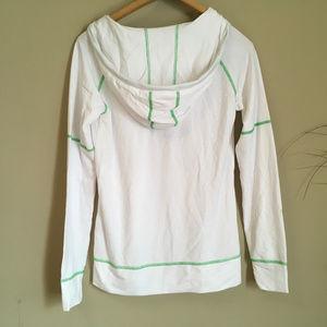 Marmot Sweaters - Like New Marmot White Pullover Hoodie (s/p)